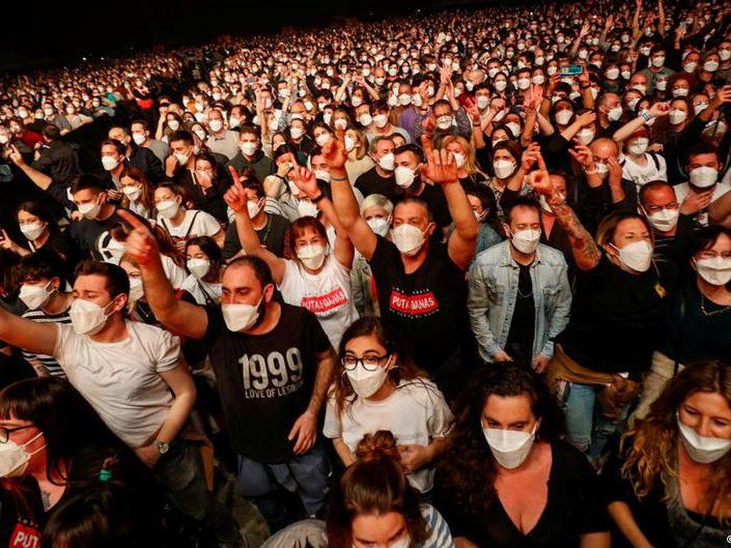 Tidak Ada Penularan Besar Usai Konser Uji Coba Corona di Barcelona