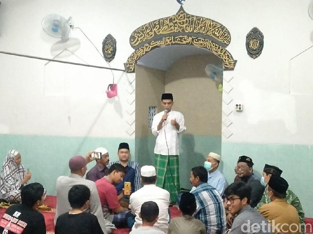 Diminta Mertua Jadi Imam Salat Tarawih, UAS Ceramah Tentang Nuzulul Quran