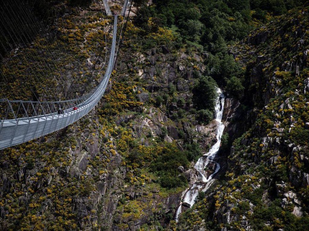 Semoga Enggak Bikin Vertigo, Portugal Punya Jembatan Terpanjang di Dunia