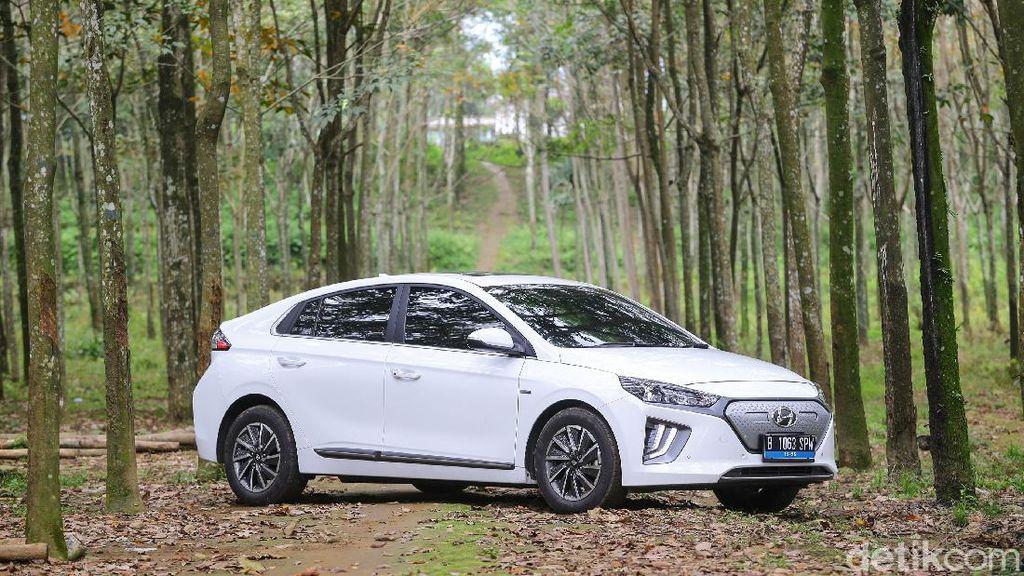 Gaspol Uji Ketangguhan Mobil Listrik Hyundai Jakarta-Bali