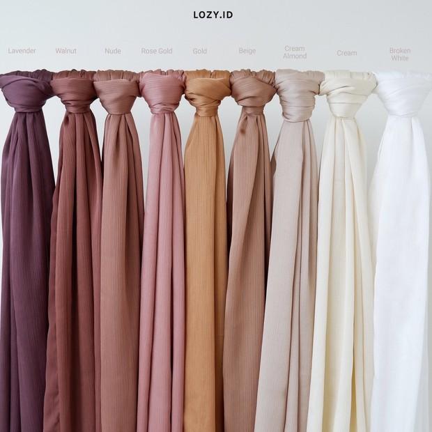 Hijab bahan silk/twitter.com/lozyhijab