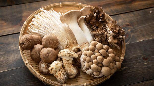 assorted japanese mushroomassorted japanese mushroom