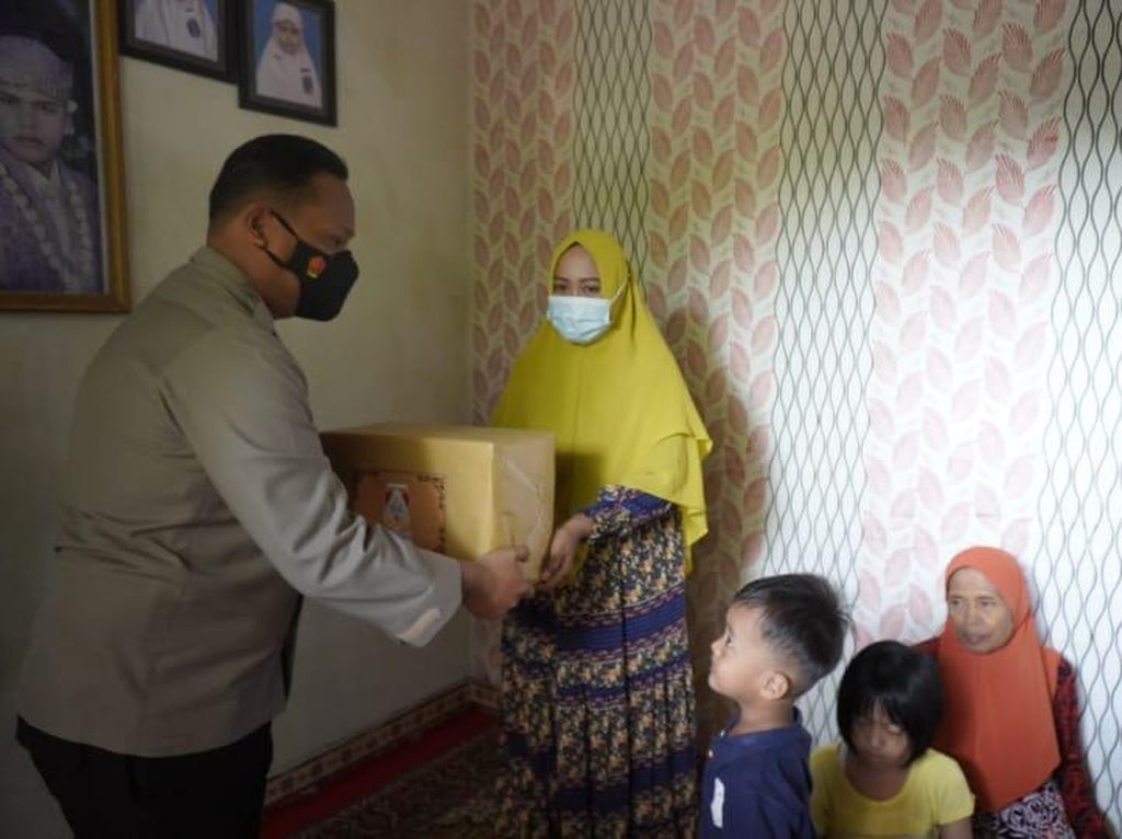 Polri-TNI Kompak Dukung Keluarga Korban Kru KRI Nanggala-402 di Bojonegoro