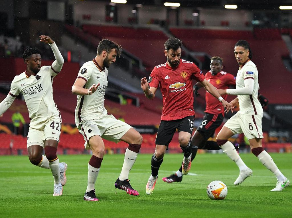 Digilas Man United, Roma Kalah Mental