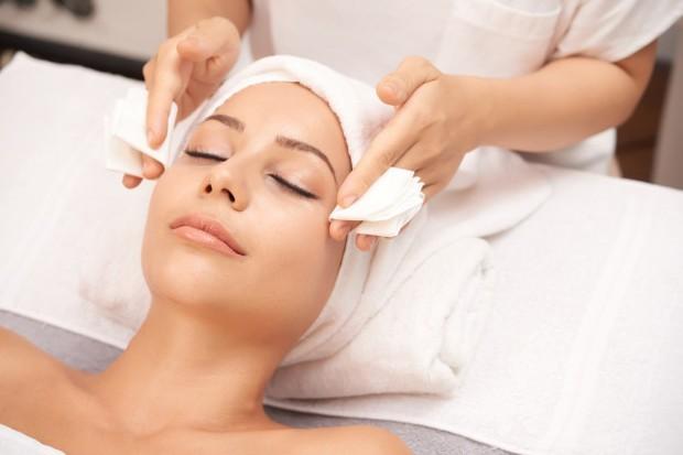 Melakukan perawatan di salon bisa menjadi salah satu bentuk self reward.