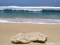 Pantai Pasetran Gondo Mayit, Destinasi Wisata Mistis di Blitar Selatan