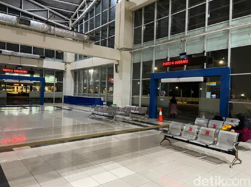 Tak Biasa! Terminal Bus Terbesar di Indonesia Sepi Banget