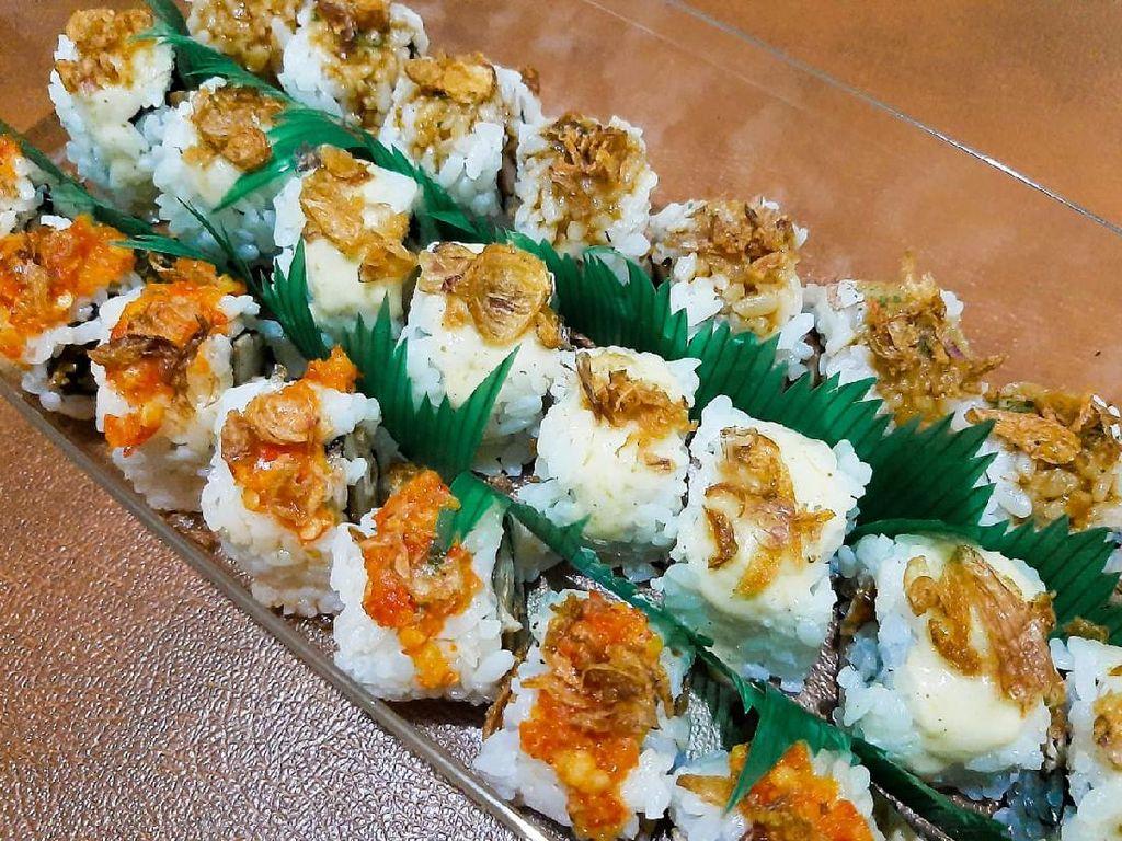 Buka Puasa dengan Donat Es Teler dan Sushi Ayam Balado