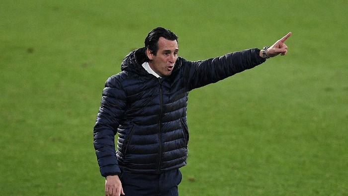 VIGO, SPAIN - JANUARY 08: Unai Emery Manager of Villarreal reacts during the La Liga Santander match between RC Celta and Villarreal CF at Abanca-Balaídos on January 08, 2021 in Vigo, Spain. Sporting stadiums around Spain remain under strict restrictions due to the Coronavirus Pandemic as Government social distancing laws prohibit fans inside venues resulting in games being played behind closed doors. (Photo by Octavio Passos/Getty Images)