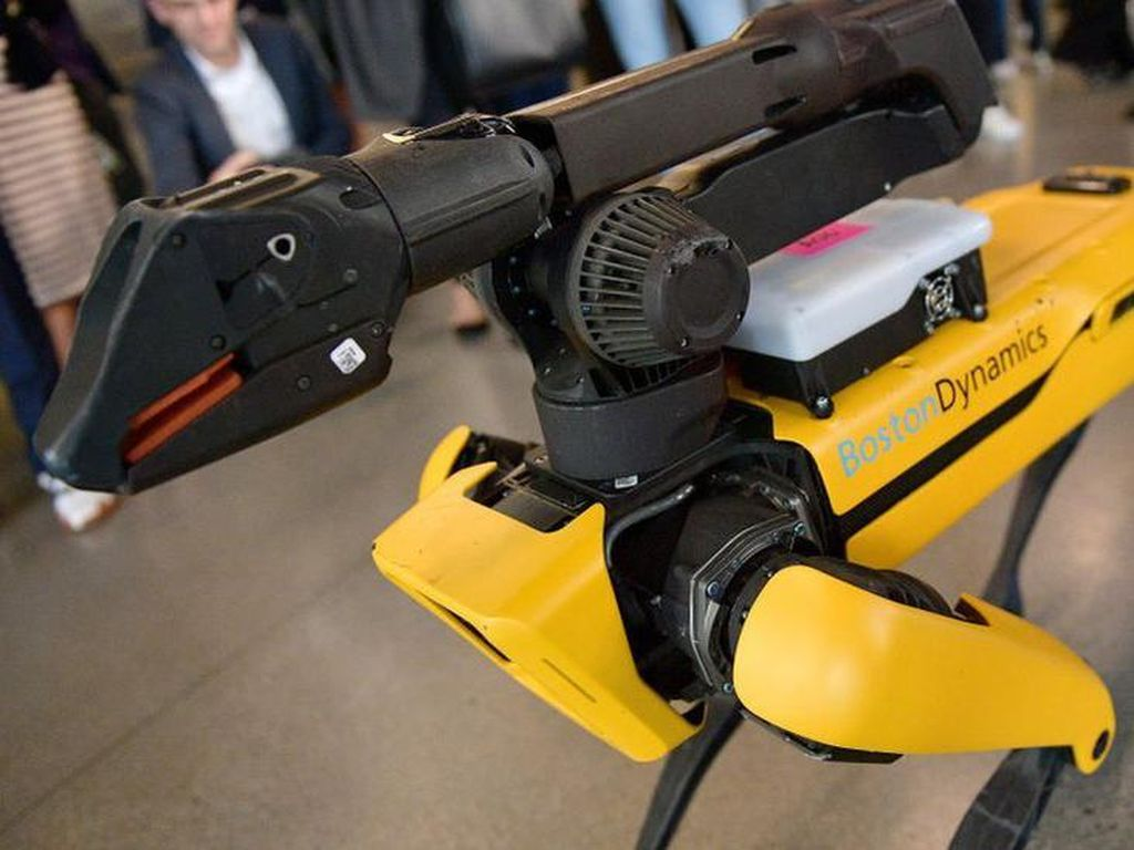 Terlalu Mengerikan, Anjing Robot Dipensiunkan Kepolisian New York