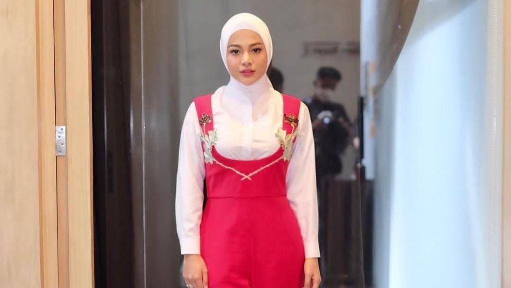 7 Potret Cantik Aurel Hermansyah Berhijab Setelah Dinikahi Atta Halilintar