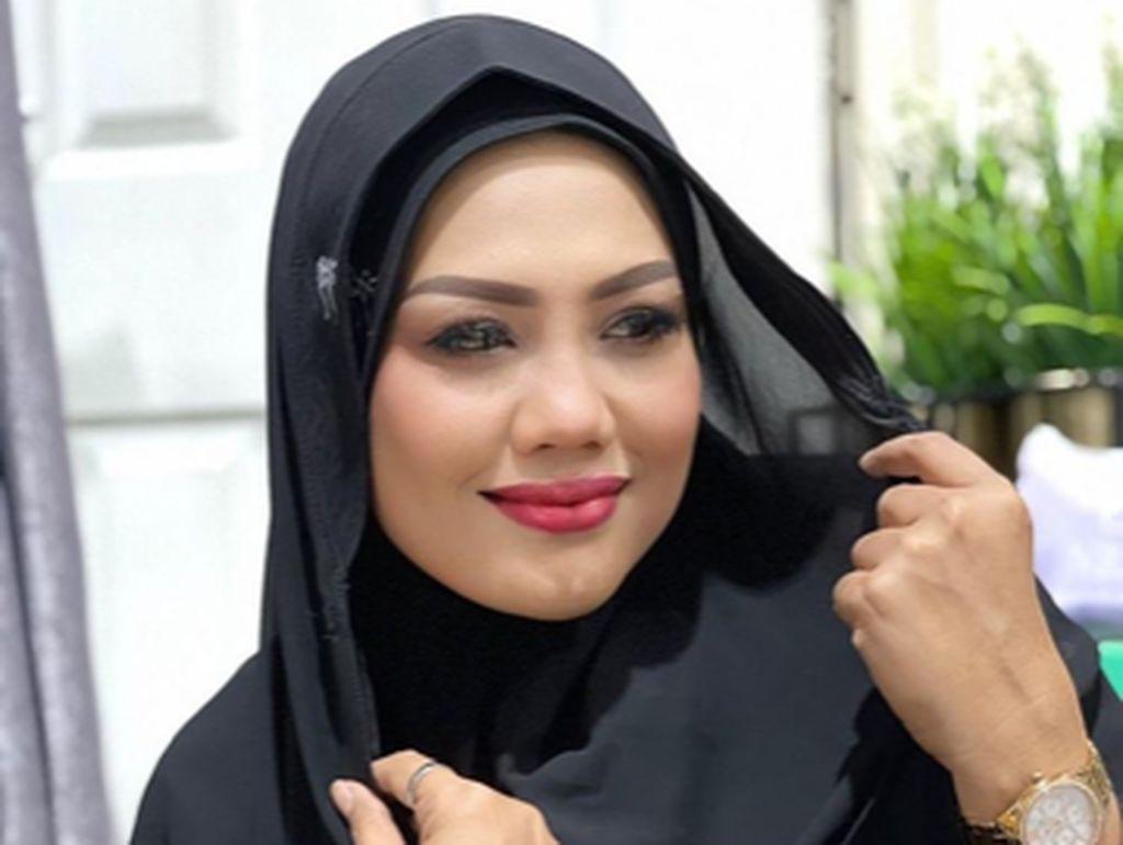 Saat Elly Sugigi Disebut Mirip Siti Nurhaliza dan Aurel Hermansyah