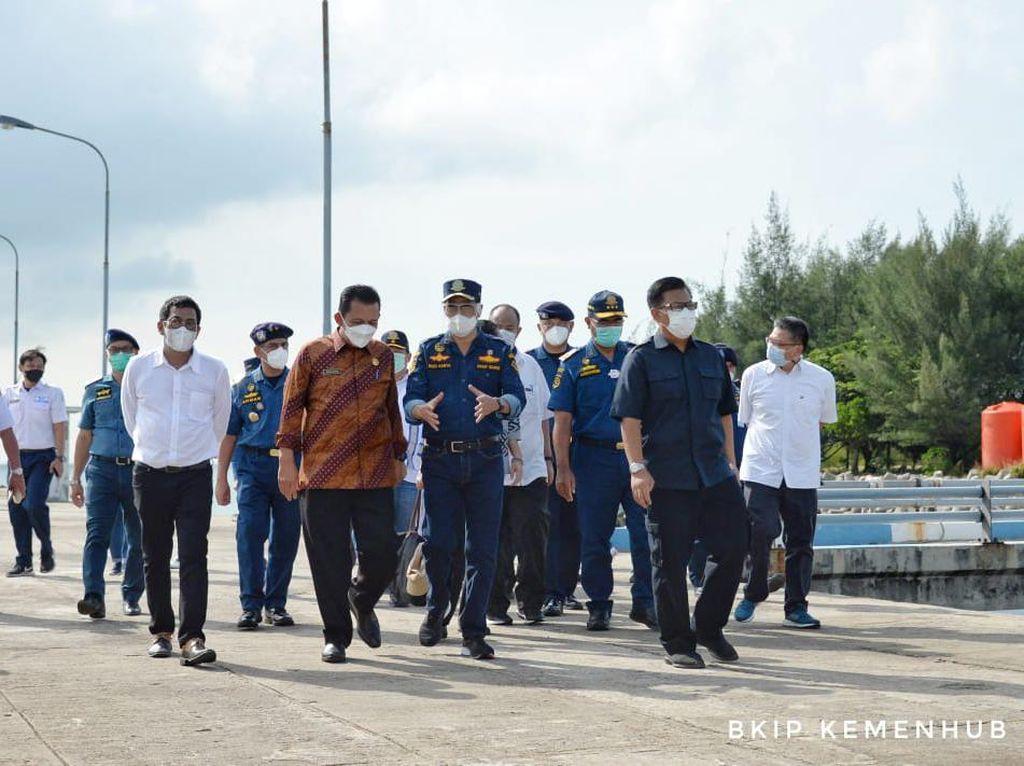 Menhub-Gubernur Kepri Tinjau Bandara Raja H Abdullah dan Pelabuhan Malarko