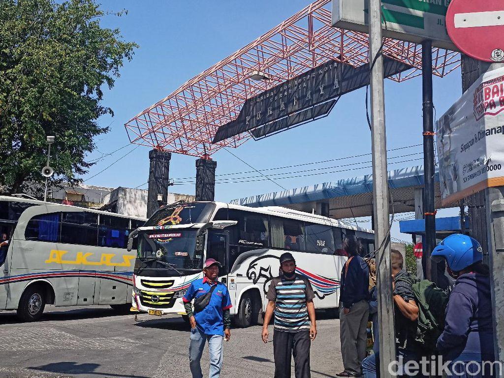 Jelang Larangan Mudik, Penumpang Bus di Terminal Bungurasih Masih Landai