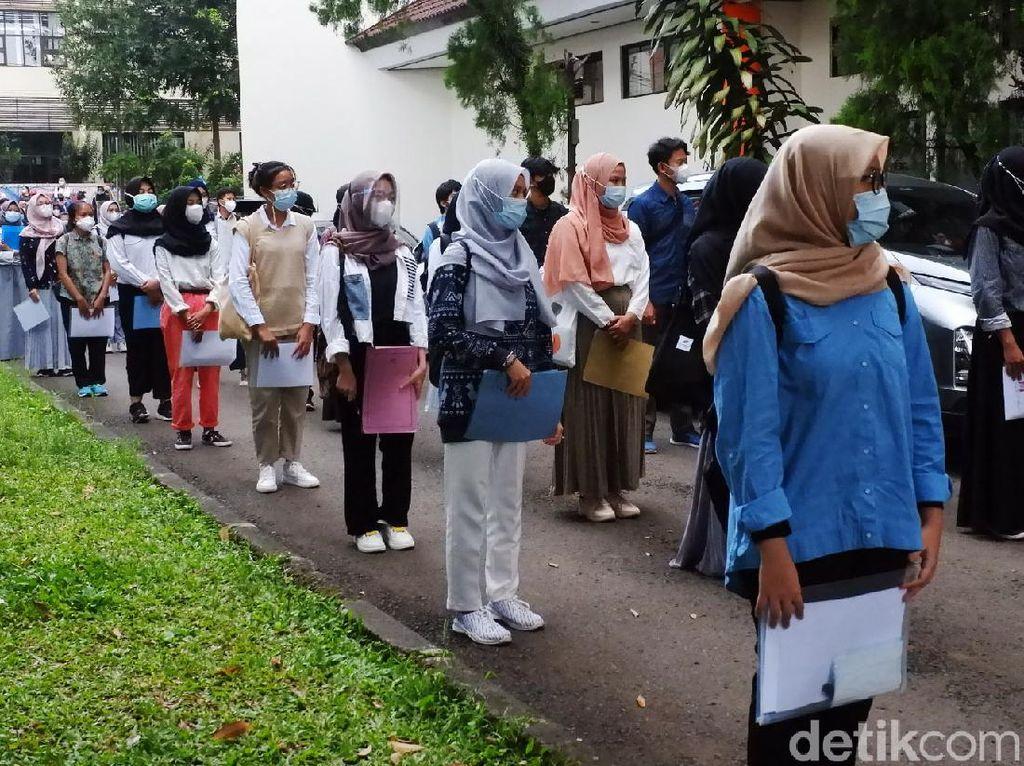 Potret UTBK SBMPTN dengan Prokes Ketat di UPI Bandung