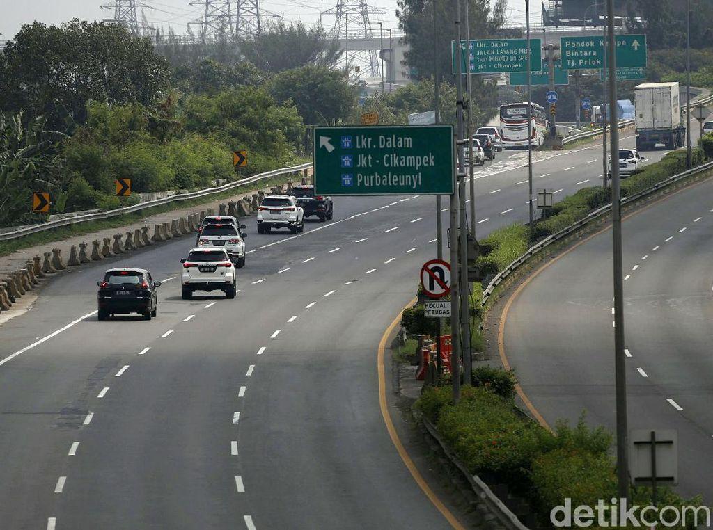Tol Trans Jawa Sepi Imbas PPKM, Arus Kendaraan Turun 40%
