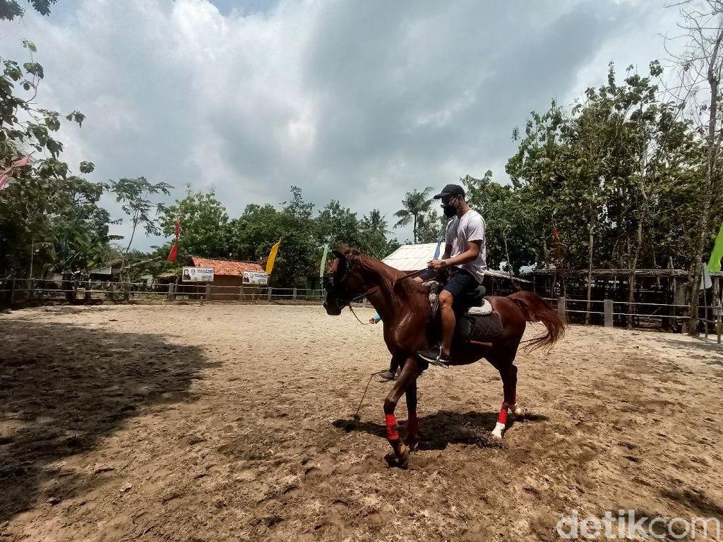 Karawang Punya Sekolah Berkuda Standar Nasional