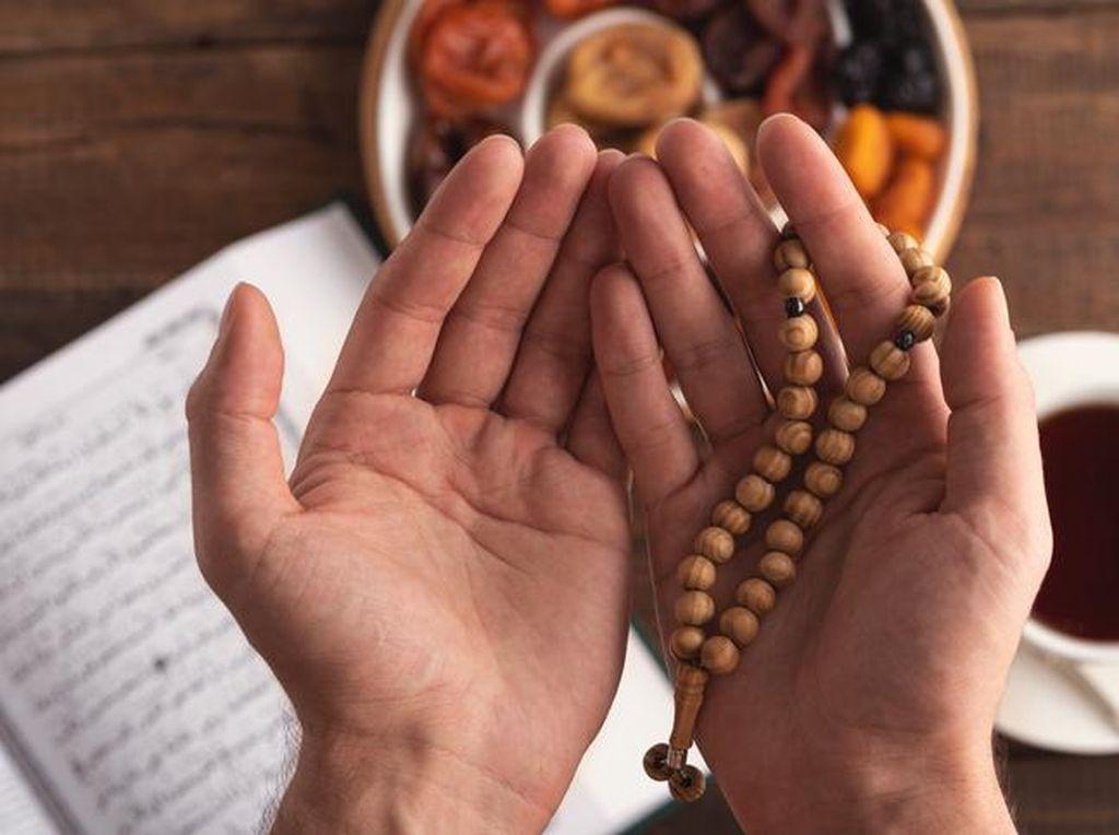 Niat Puasa Ganti Ramadhan & Ketentuannya Bagi yang Menjalankan