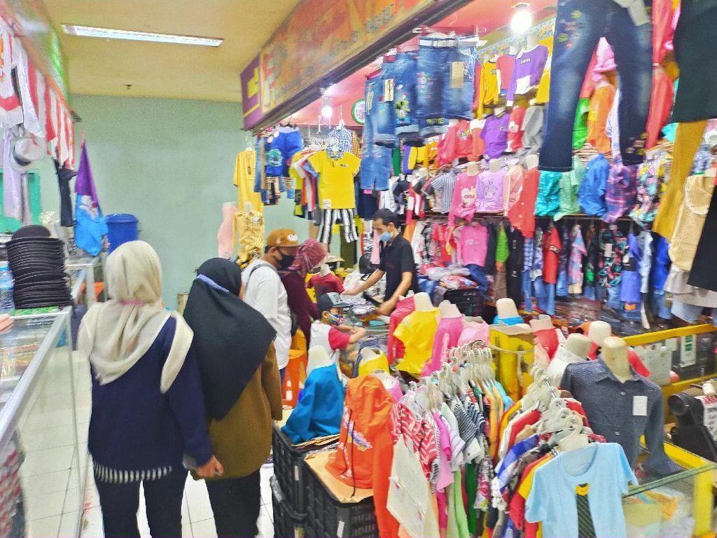 9 Hari Jelang Lebaran, Pengunjung Pusat Grosir Surabaya Masih 20 Persen