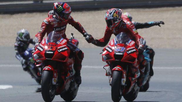 MotoGP - Spanish Grand Prix - Circuito de Jerez, Jerez, Spain - May 2, 2021 Ducati Lenovo Team's Jack Miller celebrates after winning the motoGP race with Ducati Lenovo Team's Francesco Bagnaia REUTERS/Jon Nazca