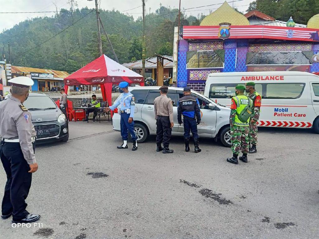 Jelang Mudik Dilarang, Plat AD-AE Dominasi Perbatasan Jatim-Jateng Cemoro Sewu