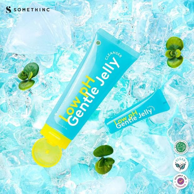 Somethinc Low pH Gentle Jelly Cleanser teruji klinik dapat menyeimbangkan pH/instagram.com/somethincofficial
