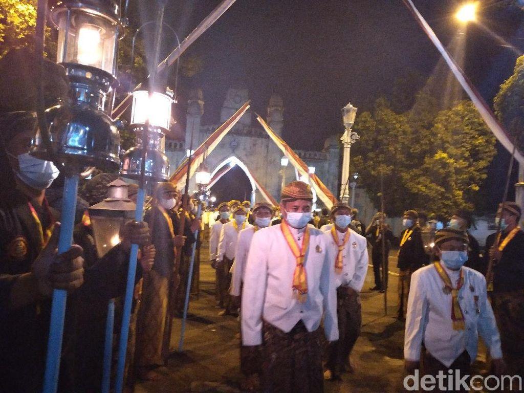 Malam ke-21 Ramadhan, Keraton Solo Gelar Kirab Lampu Ting