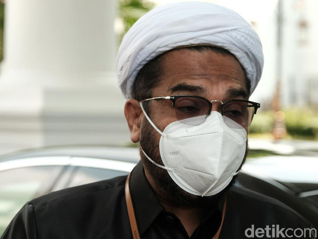 Pemuda Masjid Copot Paksa Masker Jemaah, Ngabalin Minta DKM Dipidana