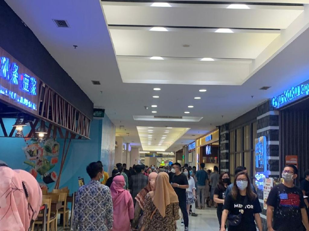 Food Court Mal di Surabaya Mulai Dipadati Pengunjung
