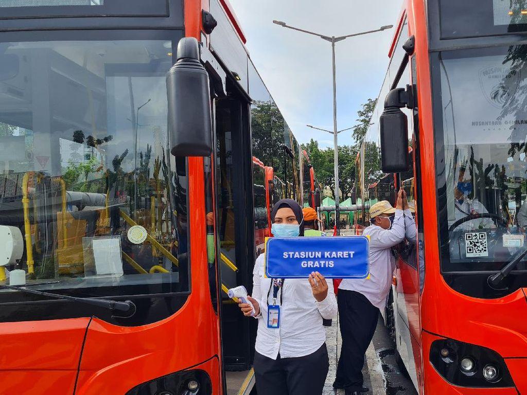 20 Bus Gratis Disiapkan Angkut Warga ke Stasiun Terdekat dari Tanah Abang