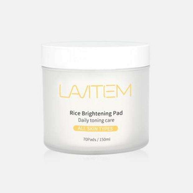 Lavitem Rice Brightening Pad mengandung essence rice brine yang mencerahkan wajah/shopee.co.id