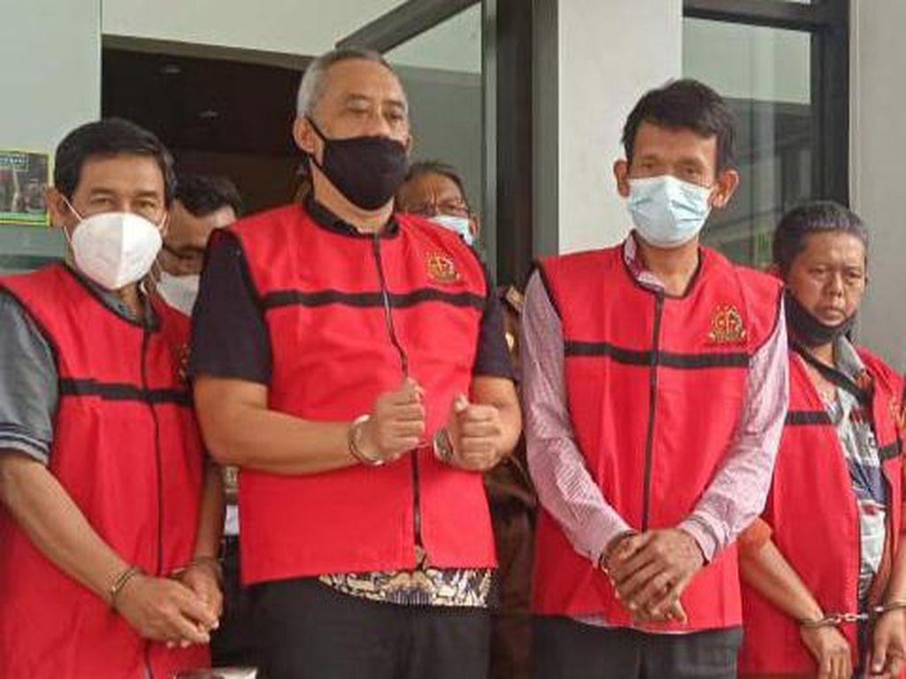 Dugaan Korupsi Pengelolaan Sampah, Mantan Kadis LH Kota Cirebon Ditahan