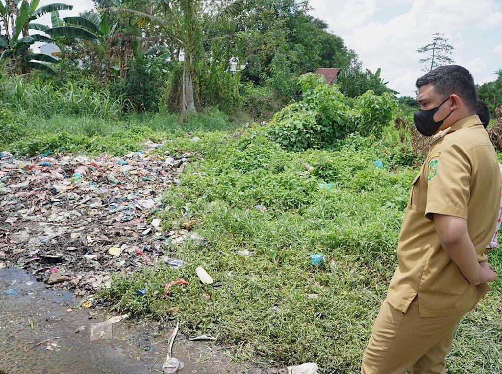 Cek Jalan Rusak karena Sampah, Bobby Minta Camat Bersihkan 2 Hari