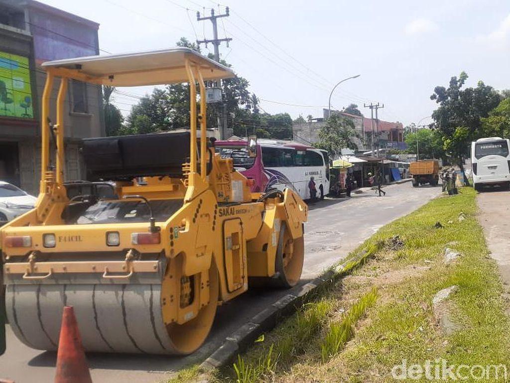 Kerusakan Jl Tegar Beriman Kabupaten Bogor Mulai Diperbaiki.