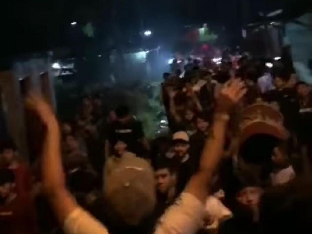Viral Kerumunan SOTR di Bogor, Camat Babakan Madang Tegur Kepala Desa