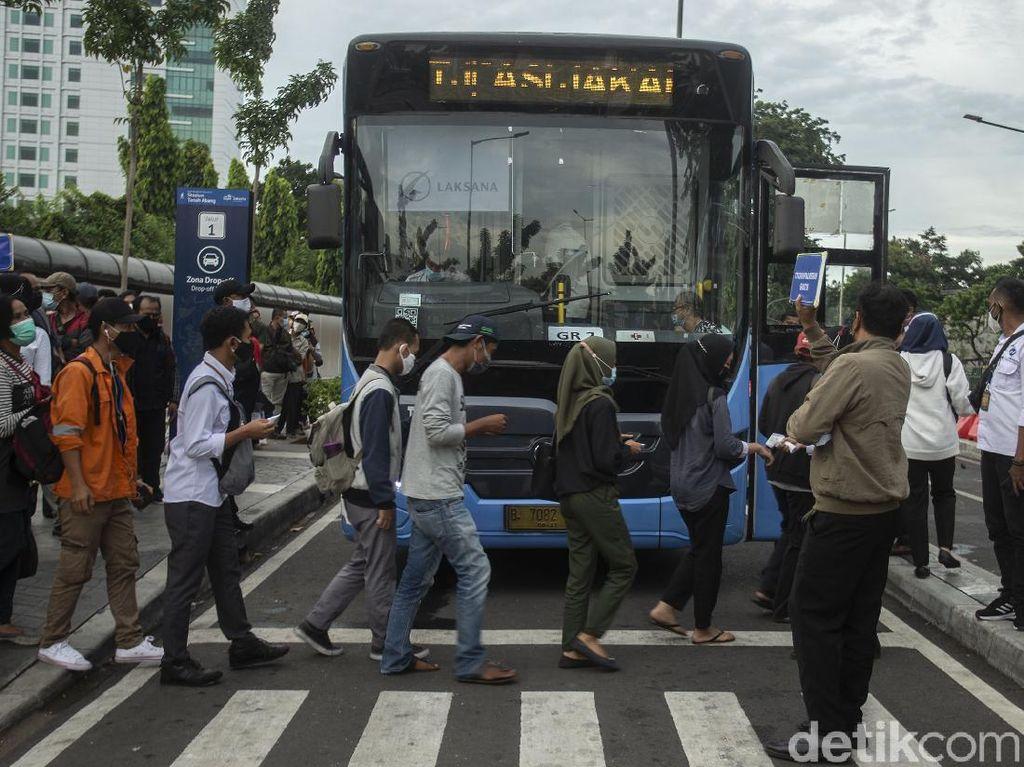 Transportasi di Jakarta Kini Cuma Sampai Pukul 21.00 WIB
