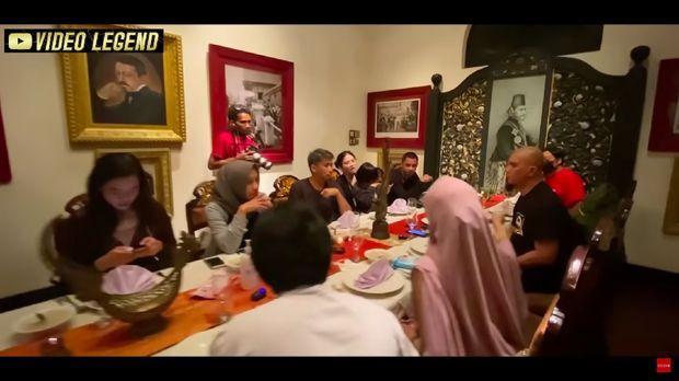 Ahmad Dhani buka bersama mantan suami Mulan Jameela