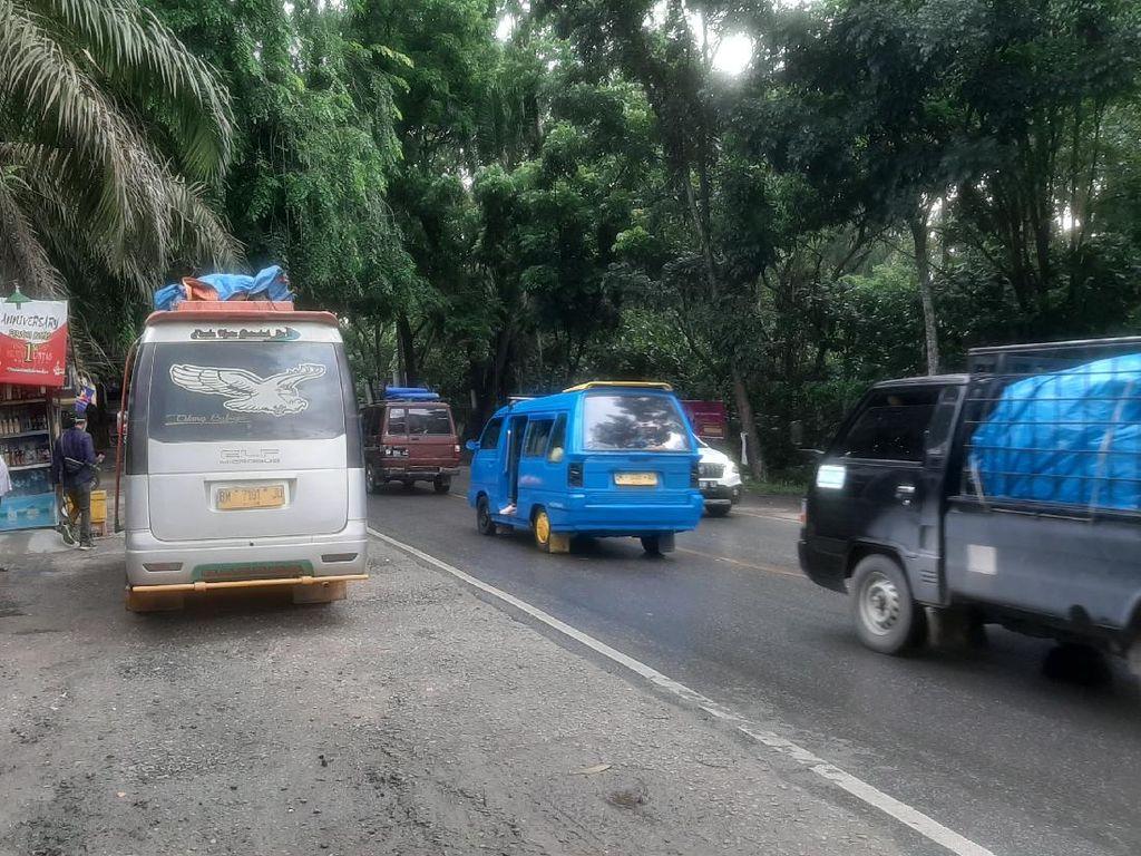 Jalan Lintas Pekanbaru Ramai Pemudik Jelang Larangan Mudik Berlaku