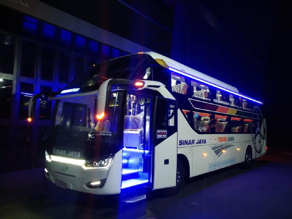 Potret Sleeper Bus Terbaru PO Sinar Jaya yang Pakai Sasis Mercy
