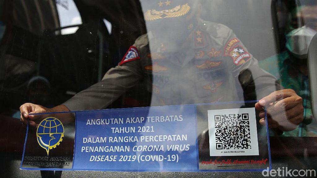 Stiker Khusus untuk Bus yang Boleh Beroperasi saat Mudik Dilarang