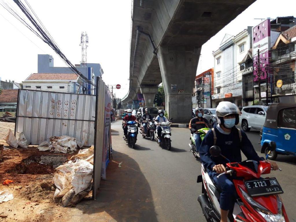 Usai Kapten Tendean, Galian Manhole Dilanjut di Jl Wolter Monginsidi Jaksel