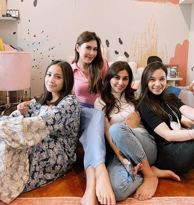 Gigi, Syahnaz dan Nisya