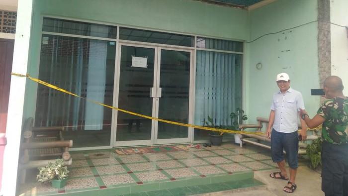 Eva Sofiana Wijayanti (33), seorang perawat klinik kecantikan di Malang, dibakar orang tak dikenal.