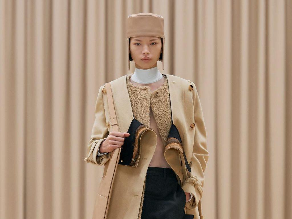 10 Koleksi Busana Feminin Burberry untuk Musim Dingin 2021