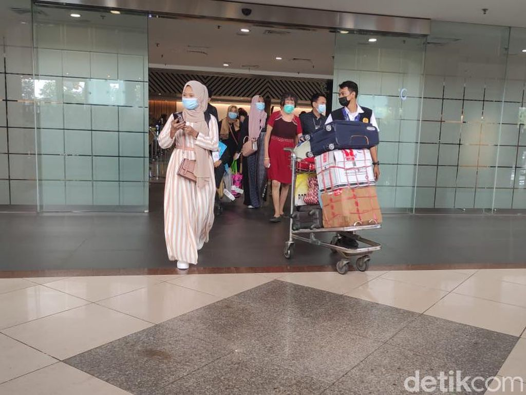 Jelang Masa Larangan Mudik, Penumpang di Bandara Juanda Mulai Ramai