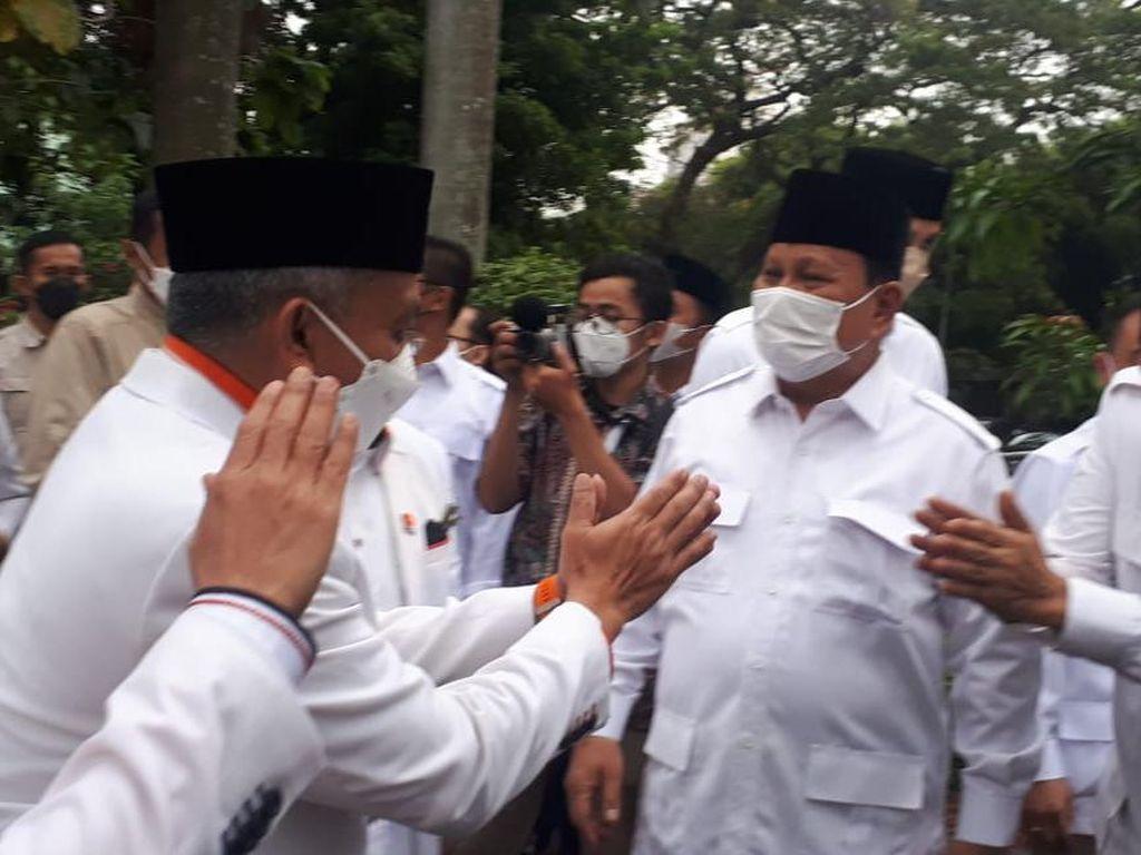 Ini Respons Prabowo soal Namanya Masuk Survei Capres 2024