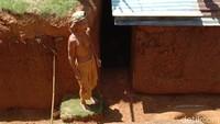 Kisah Rumah Bawah Tanah Pelipur Pilu Kakek Zainuddin Berakhir Sudah