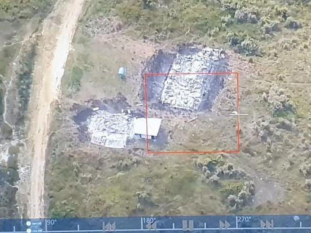 Teroris OPM Bakar Gedung SD-Puskesmas di Ilaga Papua