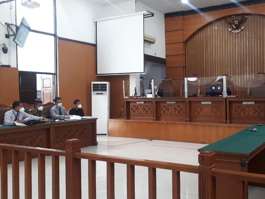 KPK Tak Hadir, Sidang Praperadilan RJ Lino Ditunda 2 Pekan