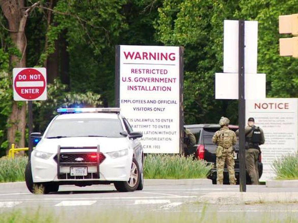 FBI Tembak Orang Bersenjata yang Hendak Masuk ke Markas CIA